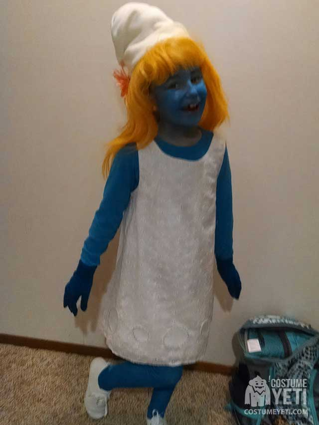 DIY Girls Smurfette Costume