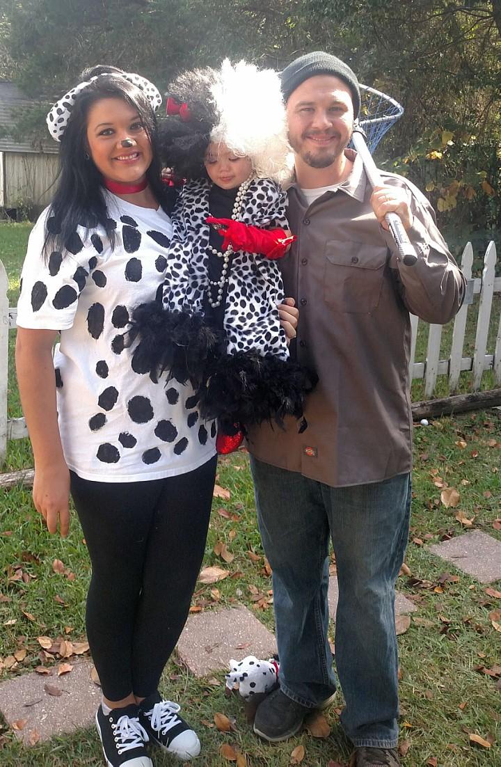 Charming 101 Dalmations Family Costumes Costume Yeti