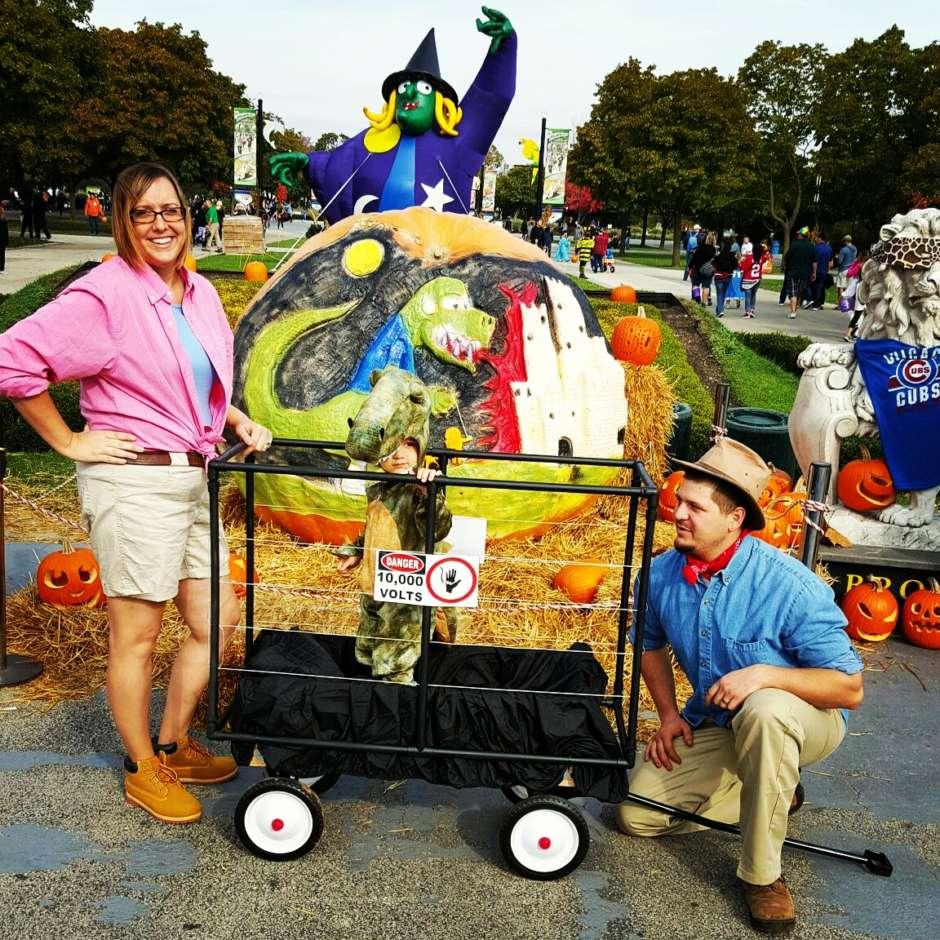 creative jurassic park family costume