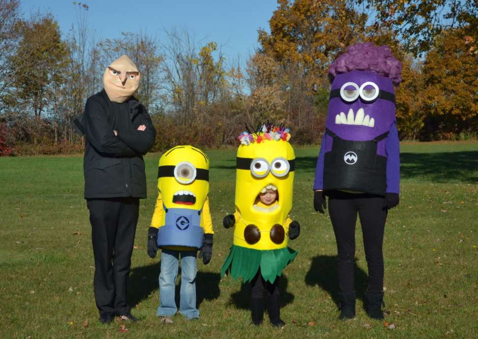 minion family diy halloween costumes