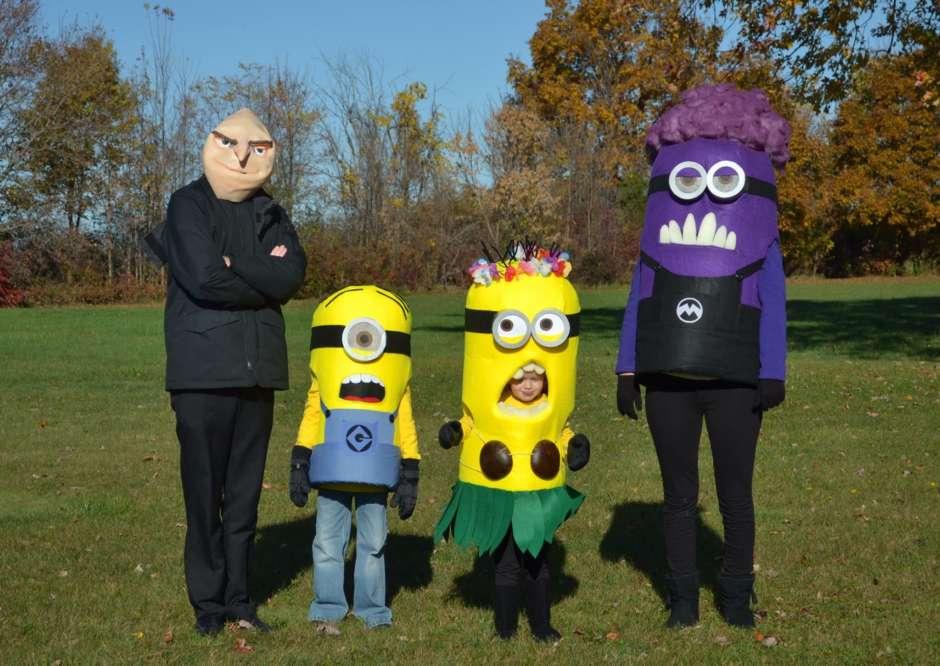 minion family diy halloween costumes