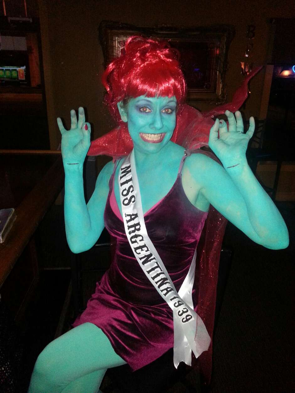 miss argentina beetlejuice costume  sc 1 st  Costume Yeti & Miss Argentina from Beetlejuice | Costume Yeti